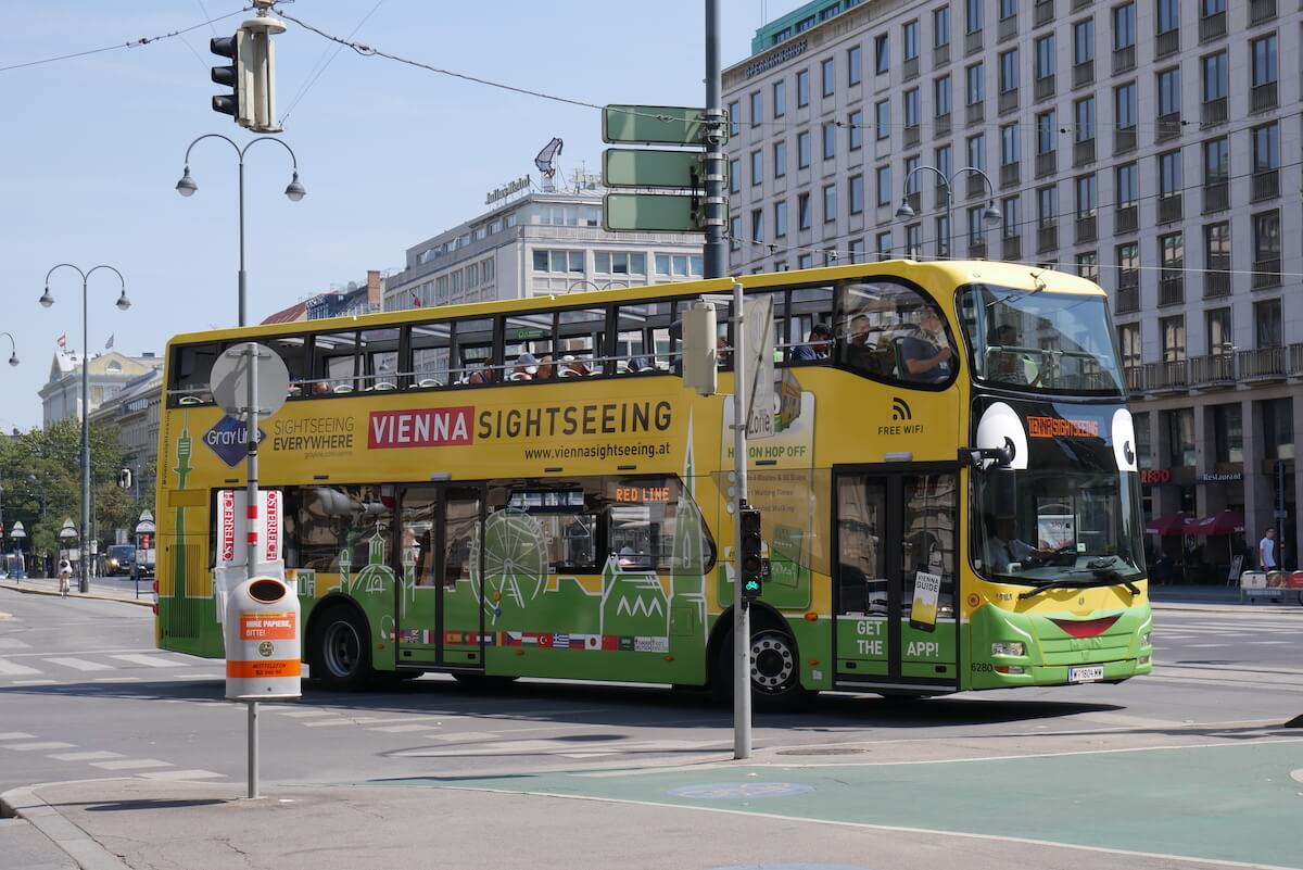 Hop-on Hop-off BigBus Vienna