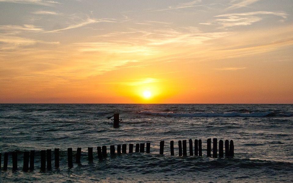 Куда в Риге и Юрмале сходить на пляж: где купаться и загорать в столице