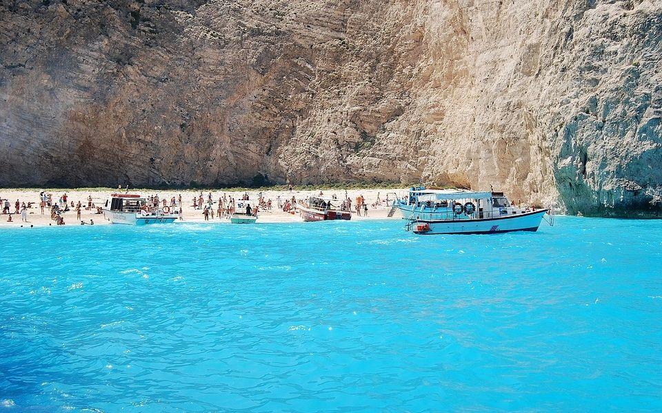 Где искать самое теплое море в Греции: отдых на Родосе, Пелопоннесе, Крите и Халкидиках